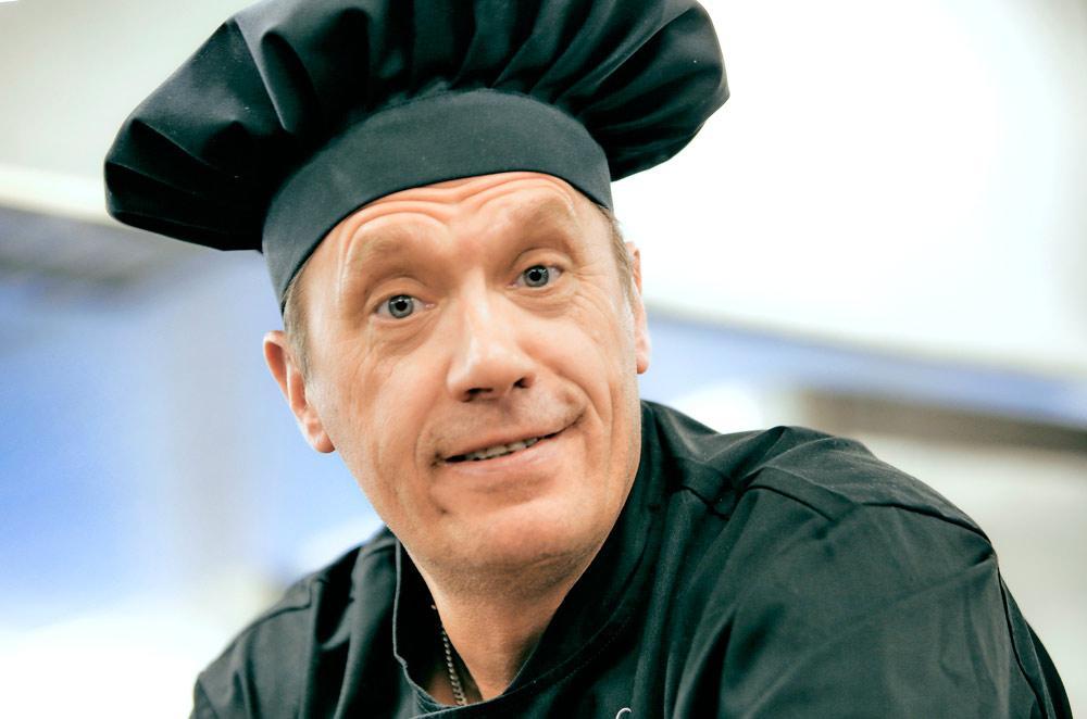 Keittiömestari Juhani Karhunen palkittiin vuoden 2014 Omena-pääpalkinnolla helmikuussa.