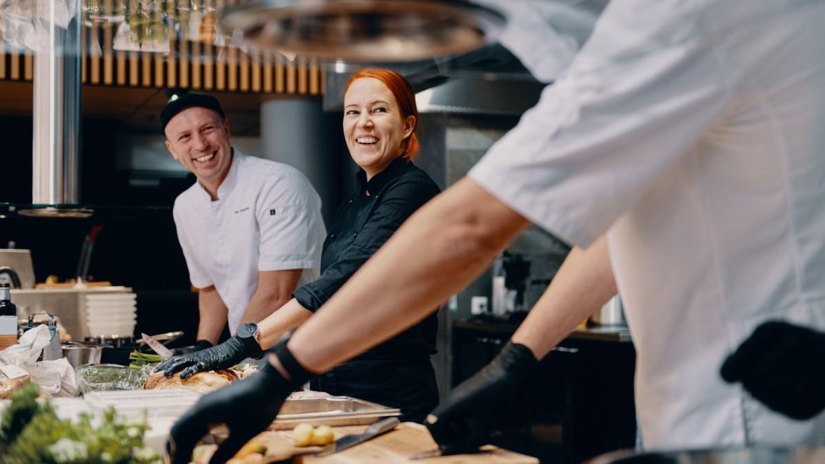 Keittiön johtaminen on makujen ja ihmisten johtamista